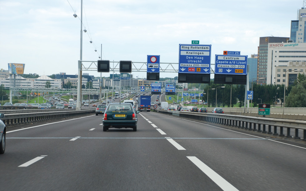 Kijk op de Ruimtelijke Kwaliteit van Snelwegen - foto van het infralandschap in Rotterdam (A16).